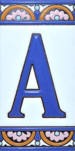 Letreros con numeros y letras en azulejo de ceramica policromada, pintados a mano en técnica cuerda seca para placas con nombres, direcciones y señaléctica. Texto personalizable. Diseño ARCO GRANDE 14,9 cm x 7,4 cm. (LETRA 'A')