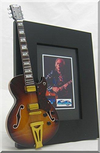 Steve Howe Miniatur-Gitarre Bilderrahmen Ja 2