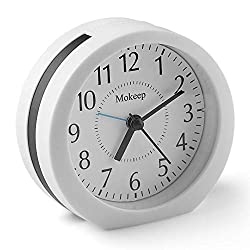 4 Round Alarm Clock for kids and Heavy Sleepers, Backlight, Battery Operated Loud Alarm Clock with Snooze and Light, Battery Operated, Silent with No Ticking, Simple Design Bedside/Desk Alarm Clock