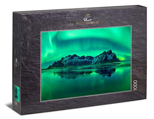 """Ulmer Puzzleschmiede - Puzzle """"Eiswellen"""" - Klassisches 1000 Teile Natur-Puzzle – Puzzlemotiv aus dem hohen Norden - beeindruckende Polarlichter über Gebirge und Eismeer, Nord-Norwegen, Skandinavien"""