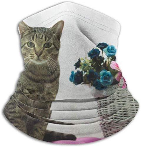 Fleece Neck Warmer Staubdichte,Gestreifte Katze Sitzt Auf Einem Rosa Osmanischen Schal,Einer Vollgesichtsabdeckung Oder Einem Hut,Einer Halsmanschette,Einer Halskappe,Einer Skiabdeckung,Einem Gesicht