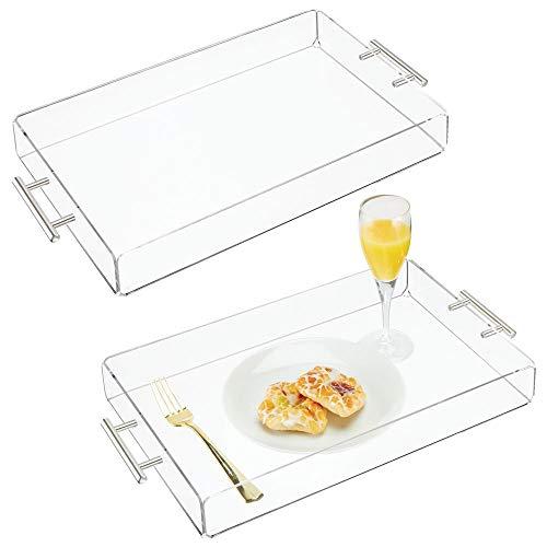 mDesign Juego de 2 bandejas de plástico – Pequeña bandeja con asas de acero – Bonitas bandejas de desayuno para servir de forma elegante queso, café, etc. – transparente
