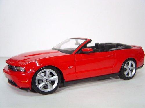 Maisto 31158 - Modellauto 1:18 Ford Mustang GT Cabrio 10, rot