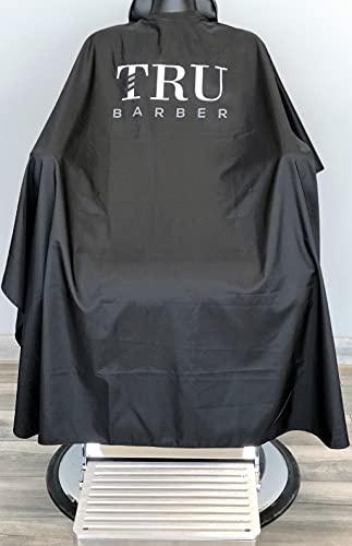 TRU BARBER Capa de peluqueria cuello de silicona, 100% poliéster, capa de peso ligero y resistente al agua, capa de salón profesional con cierre a presión (negro blanco)