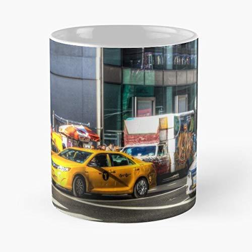 New People Street Scene Peatones Departamento de Policía de York Car View Calles Mejor Taza de café de cerámica de 11 oz Personalizar