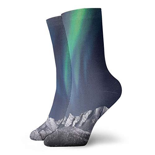Calcetines suaves de longitud media pantorrilla, Aurora Borealis Aurora sobre fiordos, montaña en la noche, obra de arte de imagen solar, calcetines para mujeres y hombres, ideales para correr