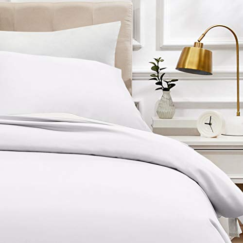 AmazonBasics - Bettwäsche-Set, Fadendichte 400, Baumwollsatin, 135 x 200 cm und einem Kissenbezug, 80 x 80 cm, Weiß