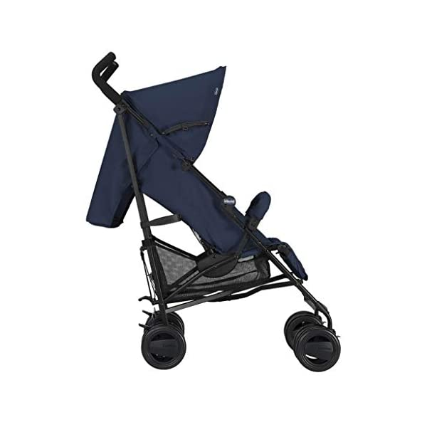 Passeggini 4 Ruote Chicco 00.79258.640 Passeggino London Up Blue Chicco Easy and agile, that's the motto of london up. for comfortable driving in the busy city this buggy is ideal. Recommended from birth to 15 kg body weight The backrest is 4-way adjustable - with only 1 hand. 2