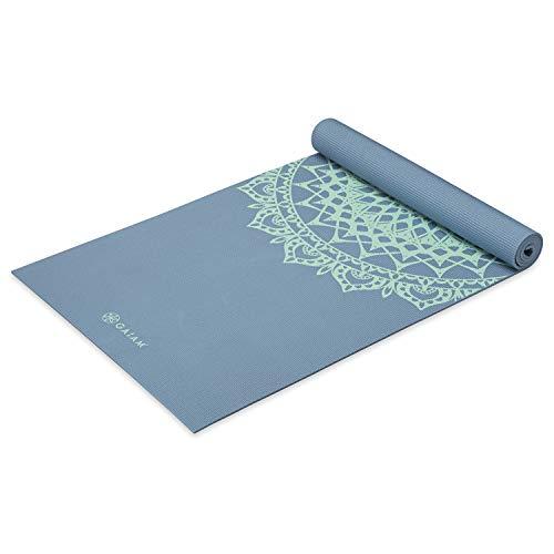 gaiam Yogamatte, Premium-Druck, 5 mm dick, für alle Arten von Yoga, Pilates und Bodenübungen (68 x 61 x 5 mm), Unisex-Erwachsene, 05-63627, Blue Shadow Marrakesch, 68