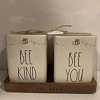 Rae Dunn BE KIND Bee + BE BOLD Bee 鉛筆ホルダー オフィスデスクオーガナイザー 木製トレイ+セラミック付き 先生へのギフトに
