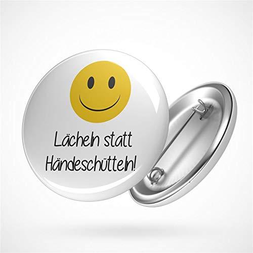 Preisvergleich Produktbild Hellweg Druckerei Button Anstecker Lächeln statt Händeschütteln Abzeichen Smiley Emoji Pin x 1