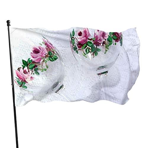 GOSMAO Bandera de Jardín Doble Costura Resistentes a la Decoloración UV Banner de Bandera Decorativo Exterior Fiesta Mardi Gras para Patio Césped Copas De Vino Rosas Pintadas A Mano 150X90cm
