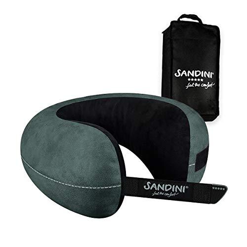 SANDINI TravelFix Regular Size – Mikrofaser – Premium Reisekissen Made in EU/Nackenkissen mit ergonomischer Stützfunktion – Gratis Transporttasche mit Befestigungs-Clip