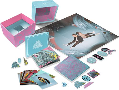 Scaled and Icy (Box Set) (Poster, Sticker, Boxed Set, Limited Edition, Toy)