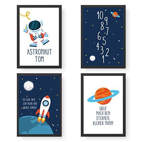 Papierdrachen 4 Premium Poster DIN A4 | Personalisierte Wandbilder für Kinderzimmer - Weltall - hochwertige individualisierbare Kunstdrucke | Dekoration | Wandbild mit Namen
