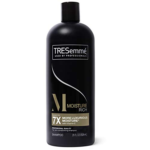 TRESemme Moisture Rich Shampoo – champues (femmes, shampooing, 828 ML, Hydratant, Vitamin E, – Coat Hair with a Liberal amount of Shampoo – gently Massage The Scalp and ROOTS with fingertips.)