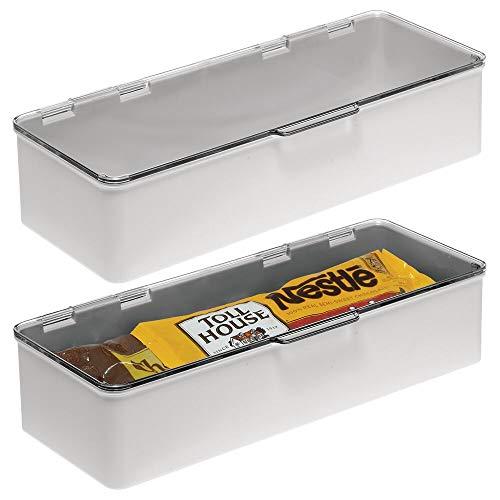 mDesign 2er-Set Küchen Organizer mit Deckel – stapelbare Kunststoff Vorratsdose für Küchenregal und Vorratskammer – Kühlschrank Organizer für Tee, Kaffee und Snacks – hellgrau und durchsichtig