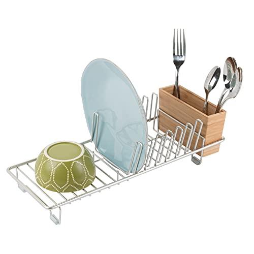 mDesign Escurreplatos de encimera – Práctico escurridor de platos, vasos, cuencos y tazas – Incluye escurrecubiertos – De acero plateado y cesta para cubiertos de bambú color natural