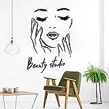 Cara femenina vinilo pegatinas de pared estudio de belleza pegatinas de puerta cosméticos maquillaje arte de la pared pegatinas murales A1 40x57cm
