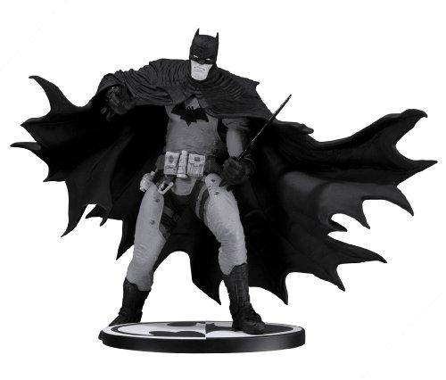 DC Heroes Batman-Statue von Rafael Grampa, Schwarz / Weiß