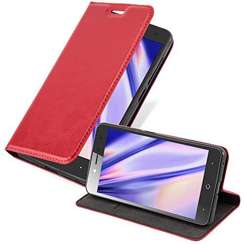 Cadorabo Hülle für ZTE Blade L7 in Apfel ROT - Handyhülle mit Magnetverschluss, Standfunktion & Kartenfach - Hülle Cover Schutzhülle Etui Tasche Book Klapp Style