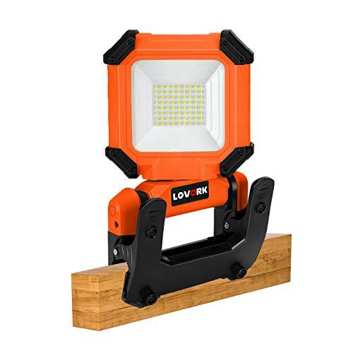 LOVORK Luz de trabajo LED de 15 W con clip de 2000 lúmenes, 6000 K, recargable, ajustable, para acampar al aire libre, senderismo, reparación de coches, taller, construcción, color naranja