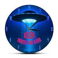 壁掛け時計 置き時計 掛け時計 おしゃれ 連続秒針 12インチ(30センチ)自分とエイリアンの壁時計宇宙引用UFO拉致壁アート飛行ソーサー家の装飾子供の寝室の時計を信じて 耐久性丈夫 無騒音静音 防塵 インテリアおしゃれ 部屋装飾 プレゼント は部屋、教室、ベッドルーム、バスルーム、リビング、オフィスに最適です