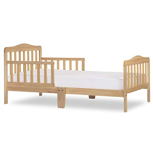 Dream On Me Classic Design Toddler Bed in Natural, Greenguard Gold Certified