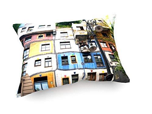 weewado Anton Chuiko - Hundertwasserhaus in Wien, Österreich - 60x40 cm - Sofa-Kissen aus Satin - Kunst, Gemälde, Foto, Bild auf Kissen - Städte & Reise