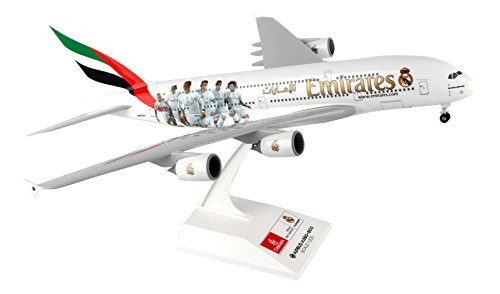 Daron Worldwide Trading Skymarks Emirates Real Madrid Airbus with Landing Gear