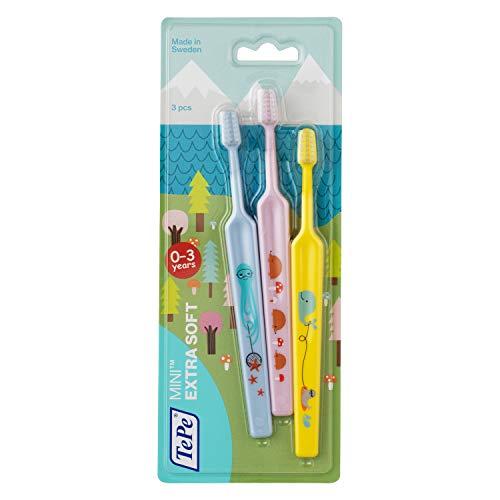 TePe Mini – Set de 3 cepillos de dientes extra suaves – Cepillo de dientes para bebés y niños pequeños de 0 a 3 años – Cepillos manuales pequeños en colores variados