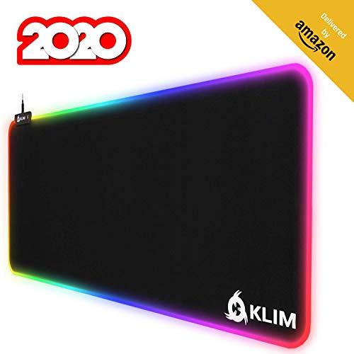 KLIM Supremacy - Extra großes RGB Mauspad - Neu 2019 - Größere Oberfläche (XL) - Lichteffekte - Hochpräzises Gewebe - Sehr großes USB Gamer Mauspad mit Hintergrundbeleuchtung - 780 x 300 x 4 mm