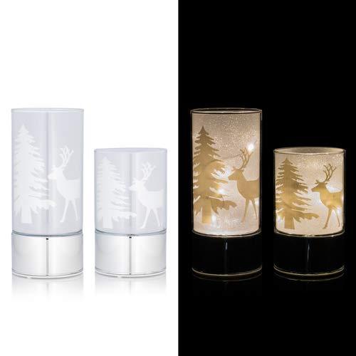 2 festliche Windlichter aus Glas mit LED Lichterkette und Timer - Dekoriert mit Tannenbäumen und Hirsch (Silber)