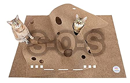 the ripple rug, a two layered rug that can be restructured for cats to play on it