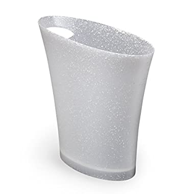 Umbra Skinny Trash Can – Sleek & Stylish Bathroom Trash Can, Small Garbage Can Wastebasket for Narrow Spaces at Home or Office, 2 Gallon Capacity, Blizzard