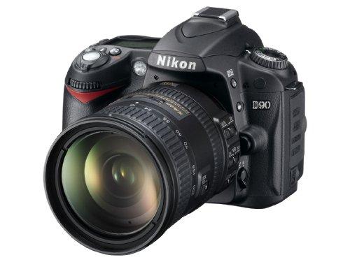 Nikon D90 SLR-Digitalkamera (12 Megapixel, Live-View, HD-Videofunktion) Kit inkl. 18-200mm 1:3,5-5,6G VR II Objektiv (bildstab.)