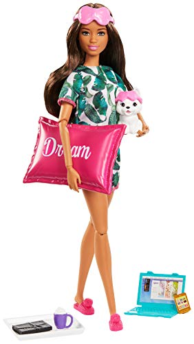 Barbie Bienestar, dulces sueños muñeca con accesorios (Mattel GJG58)