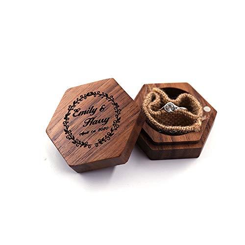 Qingge Caja de Anillo Personalizada Caja de Anillo Grabada para Propuesta de Compromiso de Boda, Caja de Anillo de Madera de Nogal Regalo de Joyería Hecho a Mano para Mujeres y Hombres
