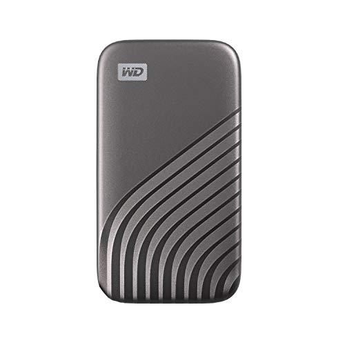 WD 500GB My Passport SSD portatile con tecnologia NVMe, USB-C, fino a 1.050 MB/s in lettura, fino a 1000MB/s in scrittura, Grigio