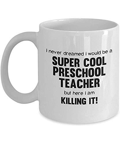 Ich hätte nie gedacht, dass ich ein super cooler Vorschullehrer sein würde, aber hier töte ich es! Kaffeebecher