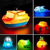 BOSOZOKU Juego de 6 Paquetes de Juguetes de baño para Barco con luz, luz Intermitente Que Cambia de Color en el Agua, Juguetes flotantes de Goma para bañera para Jugar en la bañera