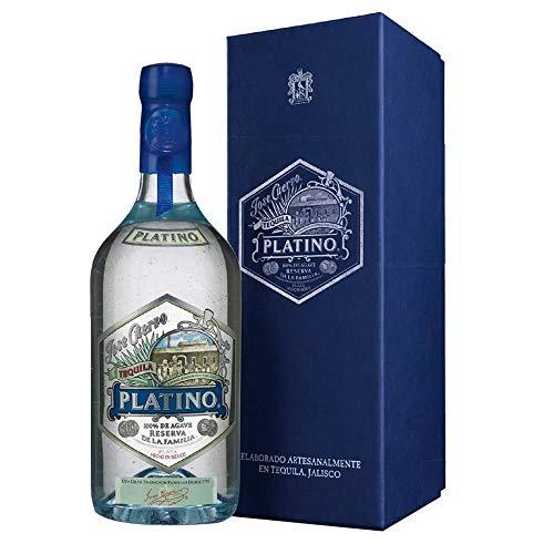 Tequila Tradicional Plata marca José Cuervo