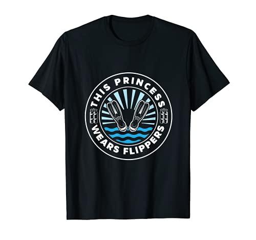 Diver Gift This Princess Wears Flippers - Regalo de buceo Camiseta