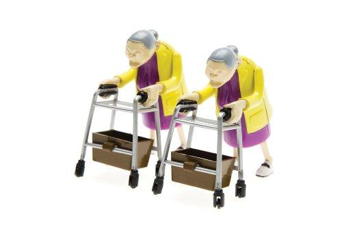 Oma-Rennen / Racing Grannies - rasende Oma - 2 Renn Omas im Rollator Rennen als Geschenk