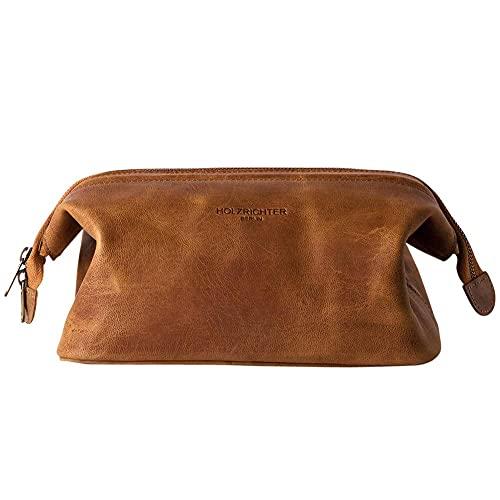 HOLZRICHTER Berlin handgefertigter Leder Kulturbeutel (M). Große, hochwertige Kulturtasche aus Leder in Camel-braun