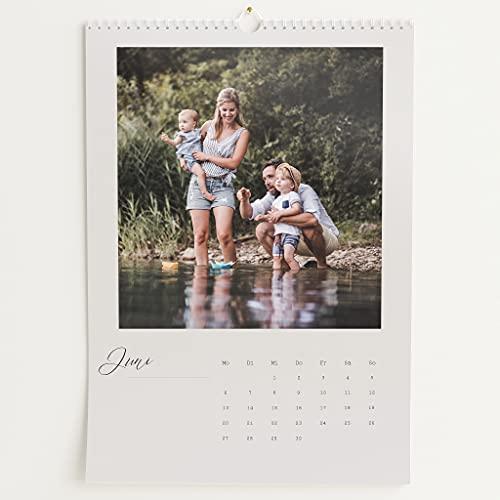 sendmoments Fotokalender 2022, Neues Jahr, Wandkalender mit persönlichen Bildern, Kalender für Digitale Fotos, Spiralbindung, DIN A3 Hochformat, optional mit Veredelung