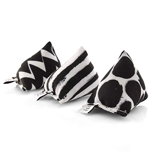 CanadianCat Company ® | 3er Set Mini Pyramiden Black-White | Schmusekissen mit Katzenminze für Katzen