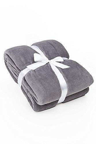 myHomery Ärmeldecke Anthrazit 150x180 cm - Kuscheldecke XL - TV-Decke mit Ärmeln - Fleecedecke als Geschenk - Sofadecke mit Taschen für IPad Fernbedienung und Füße