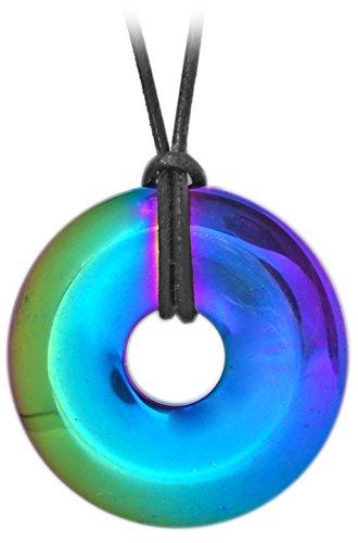 Kaltner Präsente Geschenkidee - Lederkette für Damen und Herren mit Donut Anhänger aus dem Edelstein Hämatit Regenbogen bedampft (Ø 40 mm)