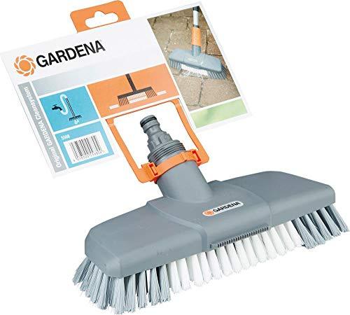 Gardena Komfort-Schrubber: Wasserführende Reinigungsbürste für das Cleansystem, mit Flachstrahldüse und Kratzkante, besonders effektiv (5568-20)